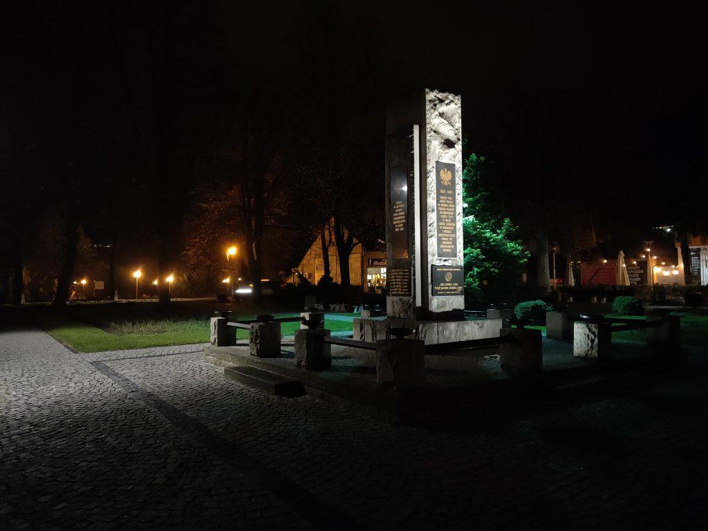Oppo reno 10x zoom - Ustroń pomnik