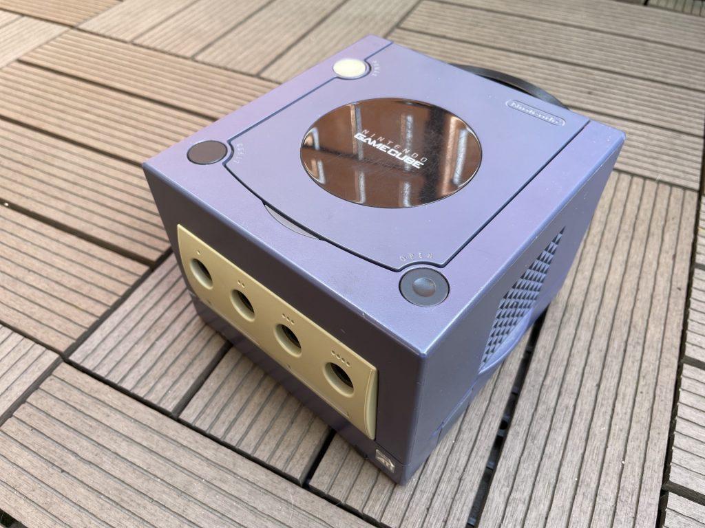 fioletowy nintendo gamecube